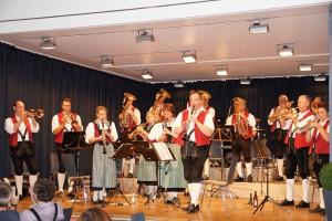 Die Stadelmusikanten unterhielten die Besucher und viele Ehemaligen mit Musikstücken aus ihrem Repertoire der letzten 20 Jahre